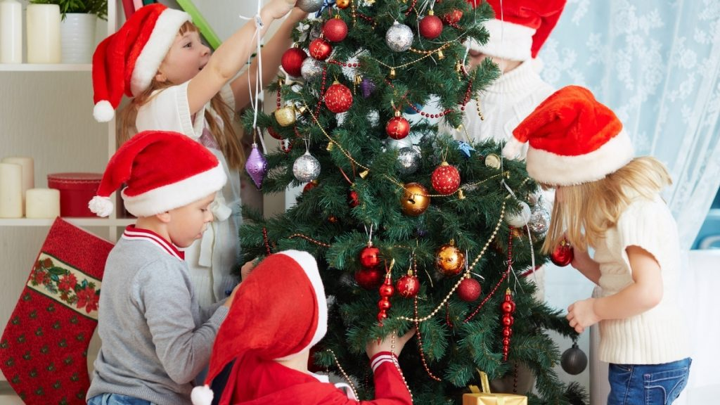 December 24th: Christmas Eve (The Day Before Christmas) - Trendy Bash