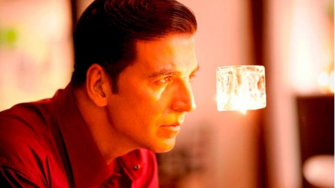 'Proud son-in-law' moment for Akshay Kumar, as Dimple Kapadia receives a note for Film 'Tenet' - Trendy Bash