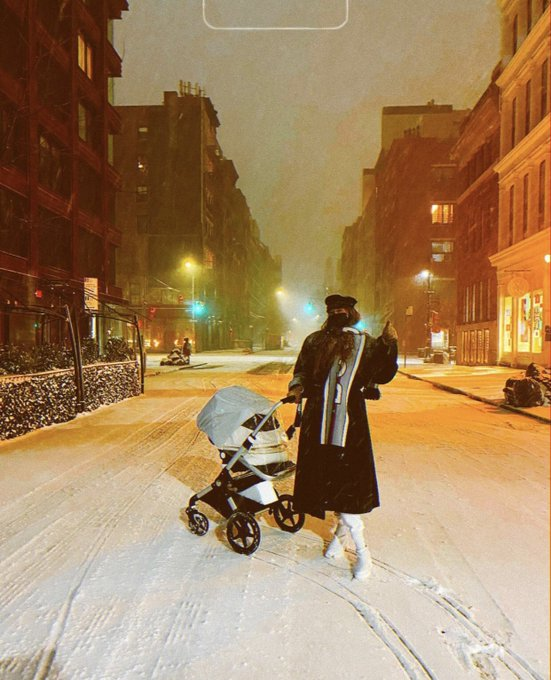 Gigi Hadid takes daughter on her first snow walk