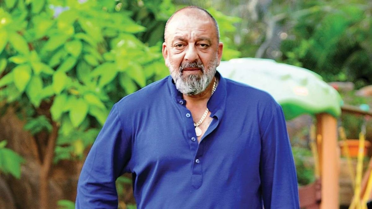 Sanjay Dutt takes part in the green India challenge-Trendy Bash