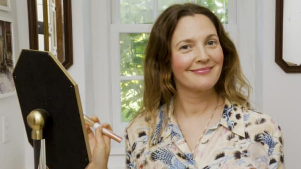 Drew Barrymore shares her dating app experience - Trendy Bash