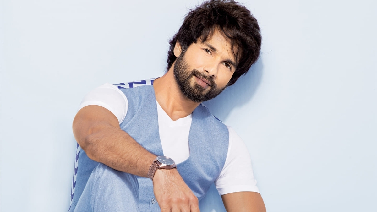 Shahid Kapoors Jersey set to release on Nov 5 - Trendy Bash