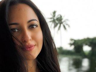 Sonakshi reveals she's a 'midnight snacker'-TrendyBash