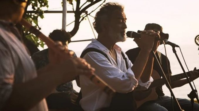 Lucky Ali creates magic with an unplugged melodious rendition of 'Sayyaah' Digpu