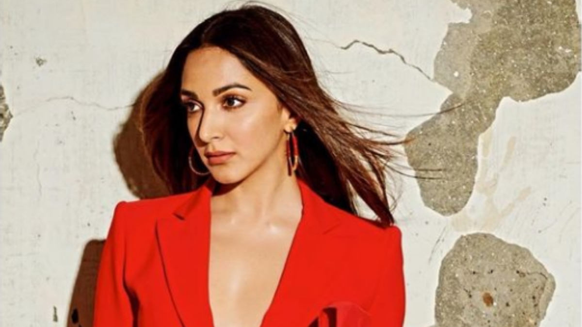 Kiara Advani ups the glamour quotient in red pantsuit