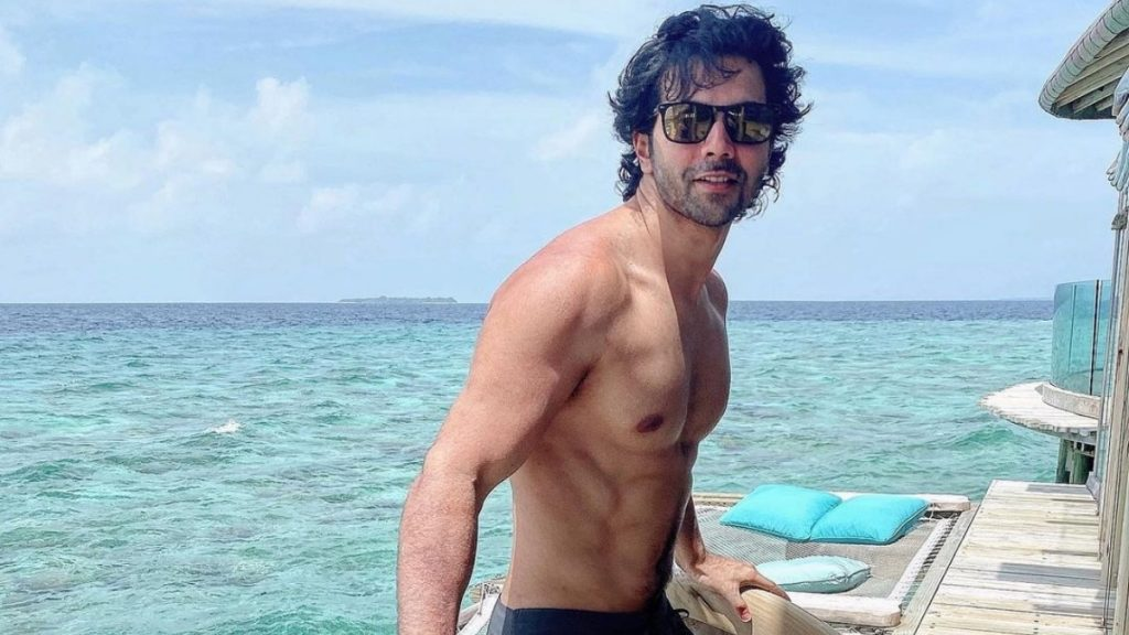 Varun-Dhawan-shares-the-shirtless-picture-on-Instagram-Trendy-Bash