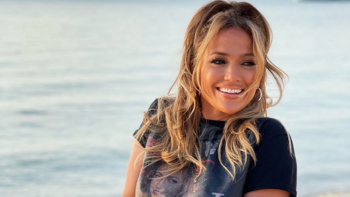 Jennifer Lopez starrer Marry Me release delayed due to Covid-19 effect - Trendy Bash