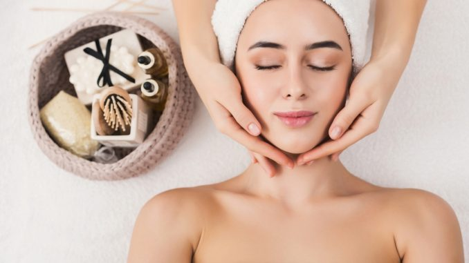 Valentine's Day 2021: Home-based Skincare Tips To Give You A Glow Up On Special Date Night