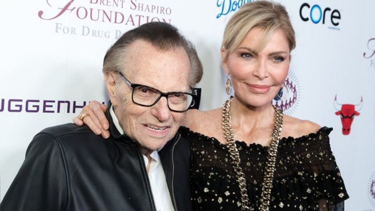 Larry King's wife Shawn King plans to contest his will in court