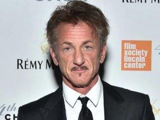 Sean Penn's hair at Golden Globes trends on social media