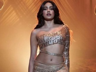 Janhvi Kapoor sets the dance floor on fire