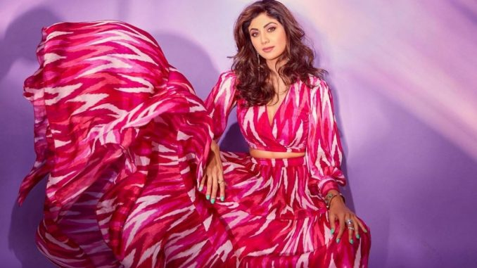 Shilpa Shetty advises fans to 'go pink' in latest Instagram post