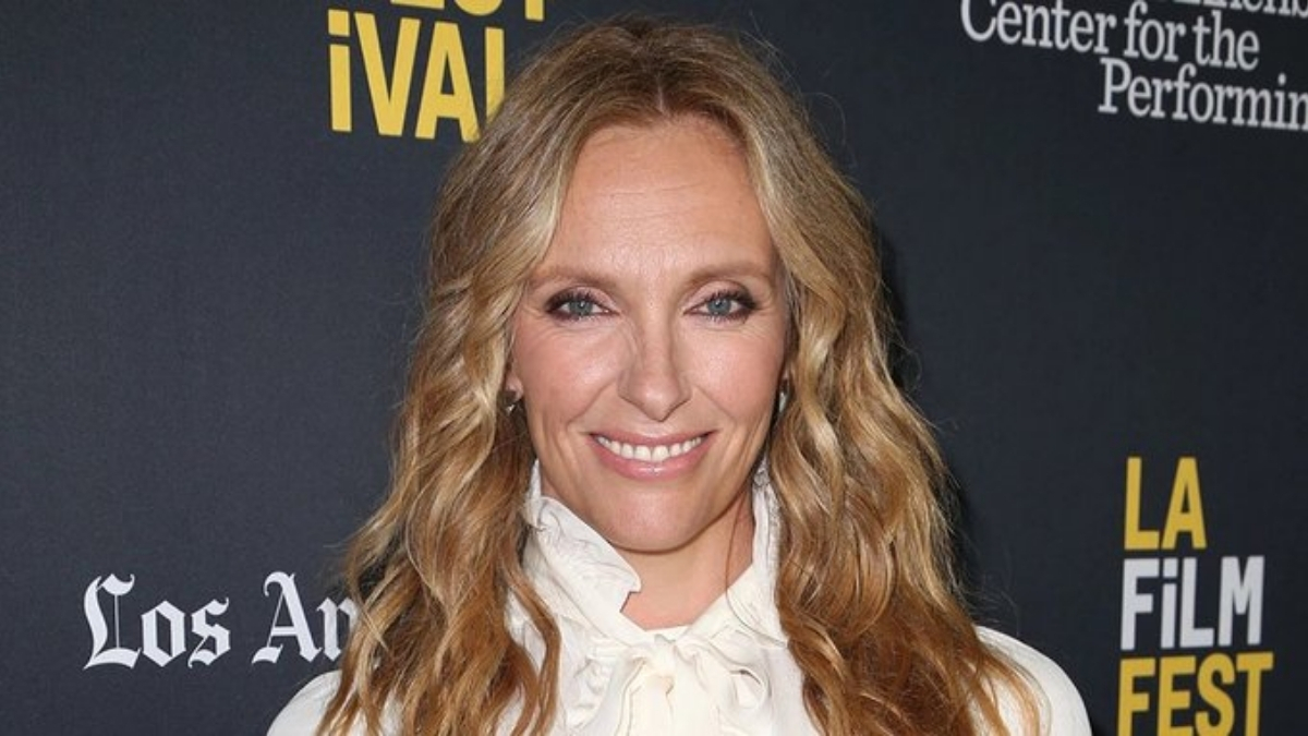 Toni Collette set to make feature directorial debut with 'Writers and Lovers'