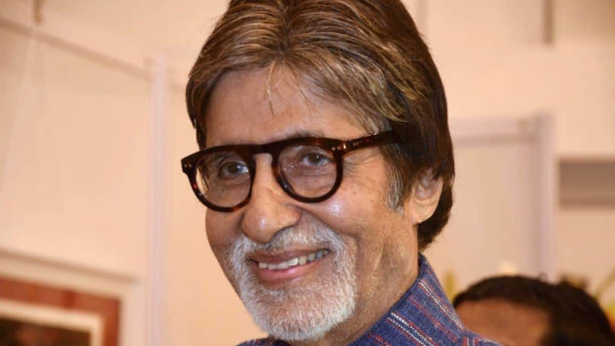 Amitabh Bachchan pens note of gratitude to the film industry after receiving FIAF award